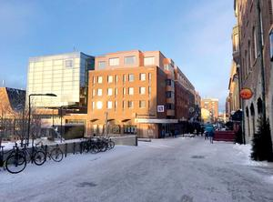 Så här kan påbyggnaden se ut sett från övre delen av Stortorget. Illustration: Krook och Tjäder