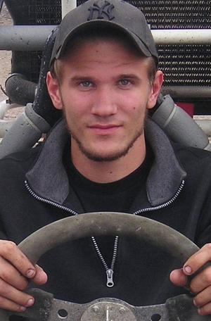 Äntligen. Efter fyra silver i crosskart kunde Rikard Berglund äntligen få sitt hett efterlängtade guld.