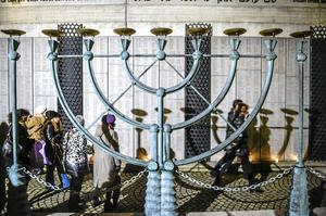 Tvingades backa. Flera judiska evenemang ställdes in efter dåden i Köpenhamn. Det skedde i Sverige år 2015. På bilden: Synagogan i Stockholm. Arkivfoto: Foto: Vilhelm Stokstad/TT