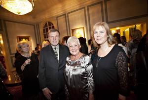 TROTJÄNARE. Anders Larsson, Britt-Inger Jäderlöf och Eva Hansson är tre av de 171 jubilarer som arbetat i 25 år i Gävle kommun.