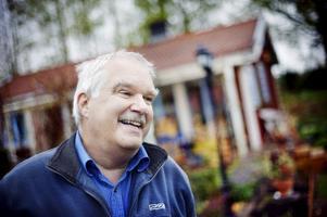 Från elbolagschef till aurikelodlare –Ray Wilkinson-Molin har gjort en rejäl livsresa.