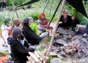 Sigrid berättar om hur vikingarna gjorde upp eld.