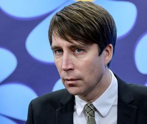 Lade locket på. Partisekreterare Richard Jomshof skickade tjänstemän för att tysta kritiken.