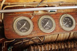 Navigeringsinstrument i den gamla styrhytten.