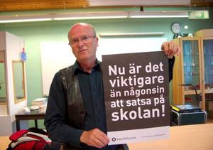 """""""Från Lärarförbundet kan vi inte acceptera dessa nedskärningar"""", säger Lars-Gunnar Annerstedt på Lärarförbundet.  Foto: Jonas Ottosson"""