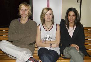 Drömmer. Joel Westlund och Malin Nymark Mineur drömmer om att resa jorden runt, Sevgi Camuz vill resa från land till land utan att åka hem emellan. Alla tre går sista året på Borgarskolans medieprogram.