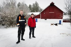 Jan-Olof och Maria Johansson gör en satsning och ser den som en nödvändighet i den turbulenta branschen för grisbönder.