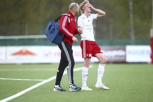 Christoffer Lindberg fick hjälpas av planen med en halvtimme kvar att spela.