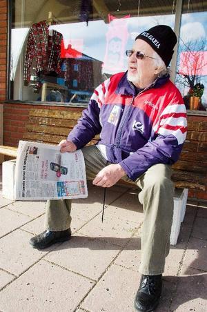 Iwan Johnsson från Svenstavik blir inte trött av tidsomställningen i samband med övergången till sommartid.– Jag är alltid trött, men det har varken med sommartid eller normaltid att göra. Man blir trött när man blir gammal, säger han och skrattar.