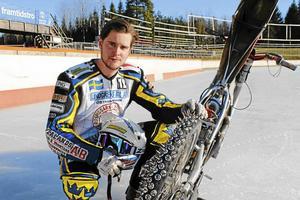 Jonas Andersson lägger av med isracing.