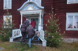 Många besökte julmarknaden vid Ol-Andersgården i Alfta under helgen.