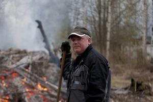 Eldmästaren Pierre Nyqvist brukar fira Valborg hemma, men familjen och grannarna.