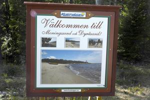 För att hitta till havet och olika aktiviteter finns skyltar längs hela Kustvägen.