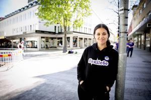 Amelia Andersdotter är Piratpartiets parlamentariker i EU. I går gästade hon Borlänge för att berätta om bland annat vikten av att ha en fungerande cybersäkerhet.