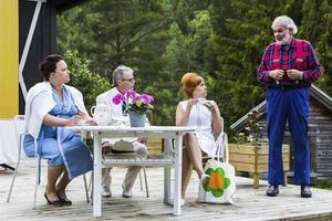 """9: Sommarteater vid Skuleberget är en given tradition. Här en scen ur """"Vem f-n är Aron Persson?""""."""