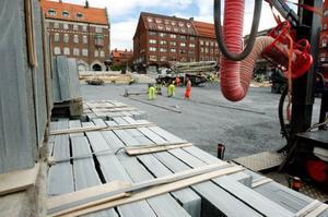 I slutet av veckan ska skiffret från Rönnöfors att börja läggas ut på Stortorget.