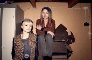 Anna Nilsson och Emma Ruzicka vill leva ett medvetet, fritt liv.Fotograf: Christine Johanson