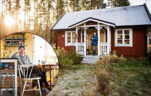 I ett litet rött torp på Hemsön, har familjen Lindström/Berglund hittat ett andrum i vardagen.