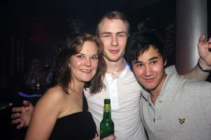 Silk. Linda, Gustav och Kim