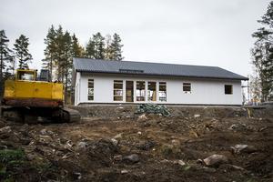 I september blev det klart med bygglov och sedan  dess har Mattis Backlund  jobbat på i rask takt.