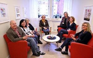 Håkan Landpers, Pia Jogér, Solveig Westin, Karin Sundström, Gunilla Lillhager, Annika Betsén och Elisabet Henriksson. FOTO: JOHNNY FREDBORG