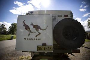 Klart att det finns känguruer på fordonet som är registrerat i Australien.