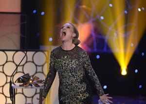 Malin Levanon tilldelas priset Bästa kvinnliga huvudroll för rollen som Minna i Tjuvheder vid Guldbaggegalan.