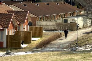Sköllerstas framtid. Söndagens stormöte i Sköllersta är tänkt att leda fram till en handlingsplan där även kommunens politiker ska ges lite att bita i. Bostadsfrågan är ett exempel. Arkivbild: Göran Kempe