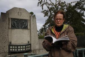 Isabella Josefsson berättar om en av Norrlands äldsta och mest fascinerande kyrkogårdar i sin bok