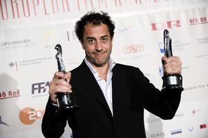 Regissören Matteo Garrone har fått åka runt och plocka hem priser för