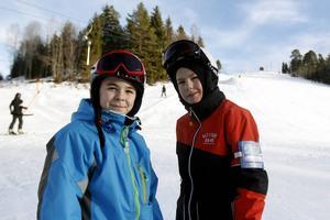 Åka fort och hoppa är roligast tycker Emil Wenn och Daniel Rosén.