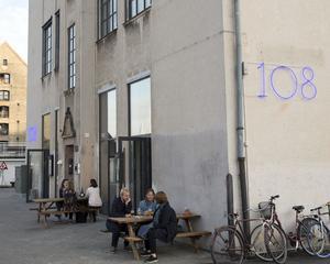 Restaurang 108 har även en enklare bar och lunchservering vägg i vägg.