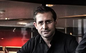 Komikern och satirikern Aron Flam.