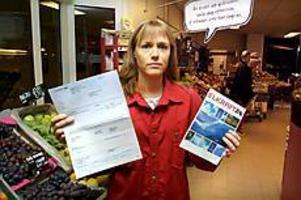 Foto: LEIF JÄDERBERG Arg. Anki Ivarsson på Ica Söder blev förbannad när hon fick sin andra bluffaktura från Elkraft i Jönköping. - Den ser ju ut som en riktig faktura, säger hon.