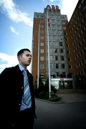 Klar. Efter sex år är Zdenko Cabrajic tillbaka i sina hemtrakter som färdigutbildad civilingenjör. Foto:Fredrik Larsson