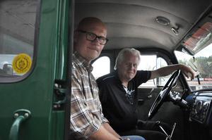 En gammal Scania har man upprustat. Det är samma årsmodell som pappa Steingruber investerade sina lånade pengar i, men dock inte samma fordon.