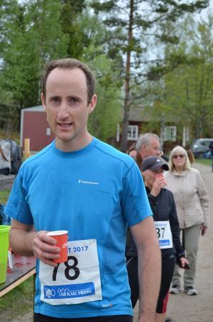 Ewan McCarthy deltog 2004 i orienterings VM:s distanslopp som gick i Västmanlandsskogarna. I och med lördagens vinst i det allra första Brandlöpet är han nu historisk. Bild: Ingmari Ekman