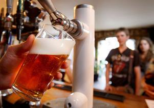 Kritiska till prov. Flera Gävlekrögare riktar kritik mot det nya kunskapstestet som är ett krav för att få alkoholtillstånd.