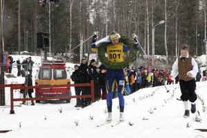 Annika Löfström hade ett lugnare upplopp och hann få lagerkransen i lugn och ro. Årsundatjejen vann Bessemerloppets damklass för fjärde gången.