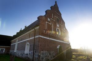 Österlövsta kyrka invigdes år 1451.