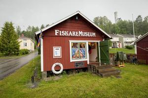 Inne på fiskaremuseet bjöds det på konst.