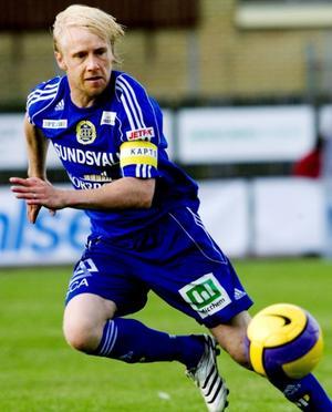 När GIF Sundsvall gick upp i Allsvenskan efter miraklet i Ljungskile 2007 lade Patrik Eriksson Ohlsson fotbollskarriären åt sidan. Nu talar mycket för att han blir får chansen att bli ny assisterande tränare i klubben.