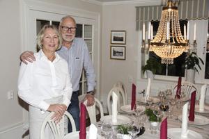 Krögarparet Karin och Bo Weiåker förvandlade äldreboendet till en pensionatsrörelse. Ett drygt halvår har förflutit i medvind. De är själva förbluffade över gensvaret. Nästa helg är bokad för både vigsel och bröllopsmiddag.
