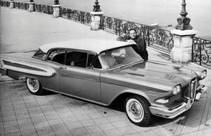 Ford Edsel tillverkades 1958-1960 och blev den amerikanska bilindustrins största flopp.