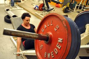 Anki Öberg tränade bland annat benpress i sitt första träningspass efter tävlingen