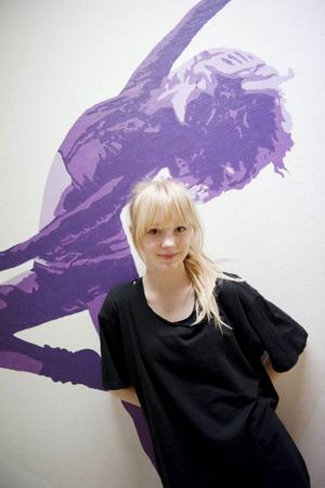 – Det är både roligt att nervöst att göra en föreställning på ett så häftigt tema, säger Fanny Arnesson.