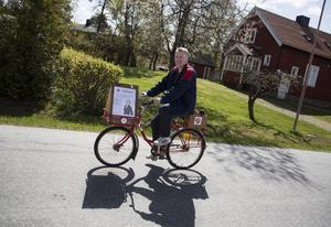 Vi fick cykeln gratis, av en moderat faktiskt, säger Aleksandar Srndovic.