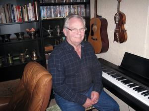 Robert Bergvall fyller 70 år den 15 oktober. Golf och musik är två intressen som fyller hans tid.