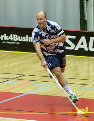 Martin Östholm stannar i Pixbo.