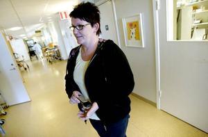 Vårdledaren Ingela Hammarberg berättar hur man bitit ihop och kämpat på trots de usla förhållandena för både patienter och personal. Man har ju vetat att man snart ska få flytta till bättre lokaler.